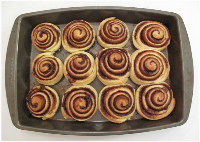 Cinnamon rolls on a baking tray