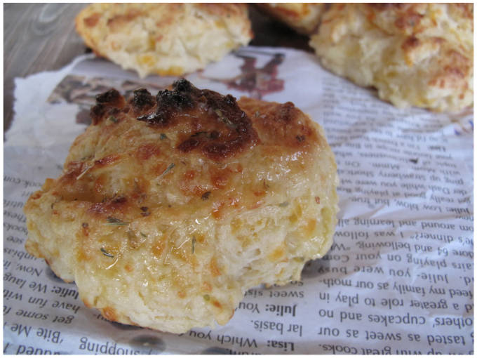 Cheddar Red Lobster Biscuits
