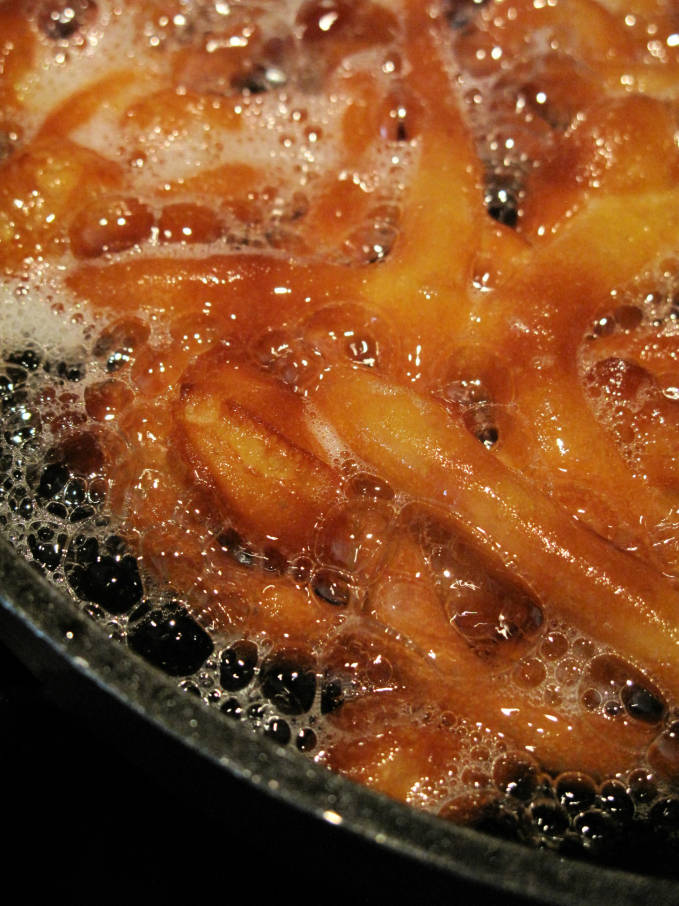 Funnel cake frying... want the amazing aroma of funnel cake in your house? THEN MAKE SOME! The recipe is super simple. Click to get it.