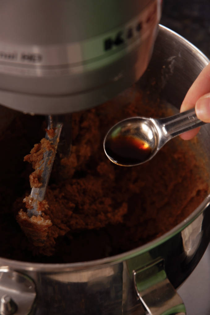 A teaspoon of vanilla extract compliments the spices in gingerbread well. Click for a full photo tutorial on how to make amazing gingerbread! Perfect for the holidays #christmas