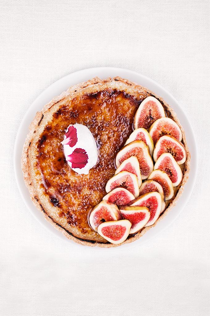 Fig crème brûlée tart